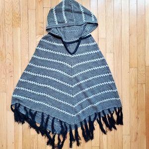 BCBG MAXAZRIA black and gray poncho sweater cape